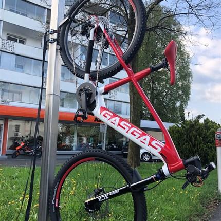E-BICYCLES…..  …wir haben nochHUSQVARNA und GASGAS lagernd! Finanzierung möglich!