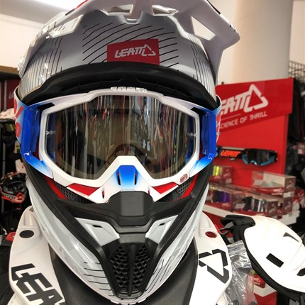 …Leatt Helme…  …Protektoren, Neckbrace, Brillen uvm