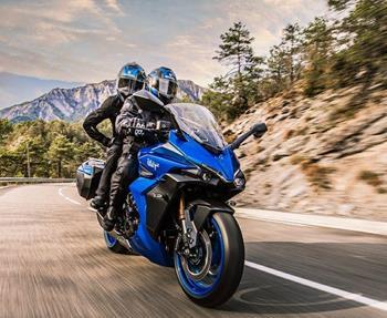 Die neue Suzuki GSX-S1000 GT ist die perfekte Kombination aus Superbike und Touren-Motorrad. Entdecke den smarten Sporttourer ... Weiter >>