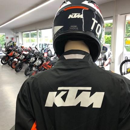 es gibt kein schlechtes Wetter.....  ....Regenbekleidung KTM Powerwear