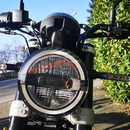 ...500 Euro sparen....  **...TEST RIDE NOW AND SAVE 500,-- €** Book a test ride https://testride.husqvarna-mot... Husqvarna Svartpilen 125 * ... Weiter >>