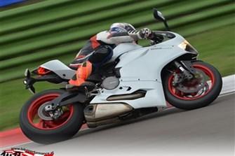 Bild zum Bericht: Ducati Panigale 899: Der günstige Weg zum tollen Fahrwerk!