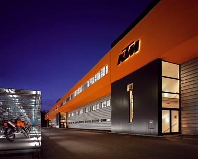 KTM Pressekonferenz EICMA - live Mit dem folgenden Link könnt ihr die KTM Pressekonferenz auf der EICMA live mit verfolgen.Start: Dienstag, 7.11. um 13:00UhrDiesen... Weiter >>