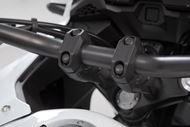SW-MOTECH Lenkererhöhung für Ø 28 mm Lenker. H=20 mm. Schwarz.