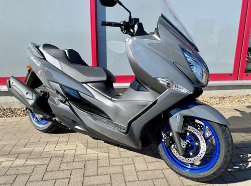 VERLEIH Kawasaki J300