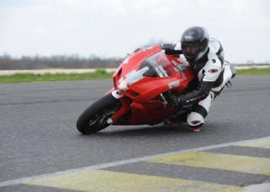 Gebrauchtmotorrad Ducati 749 R