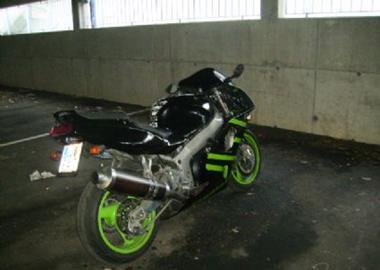 Gebrauchtmotorrad Kawasaki ZXR 750