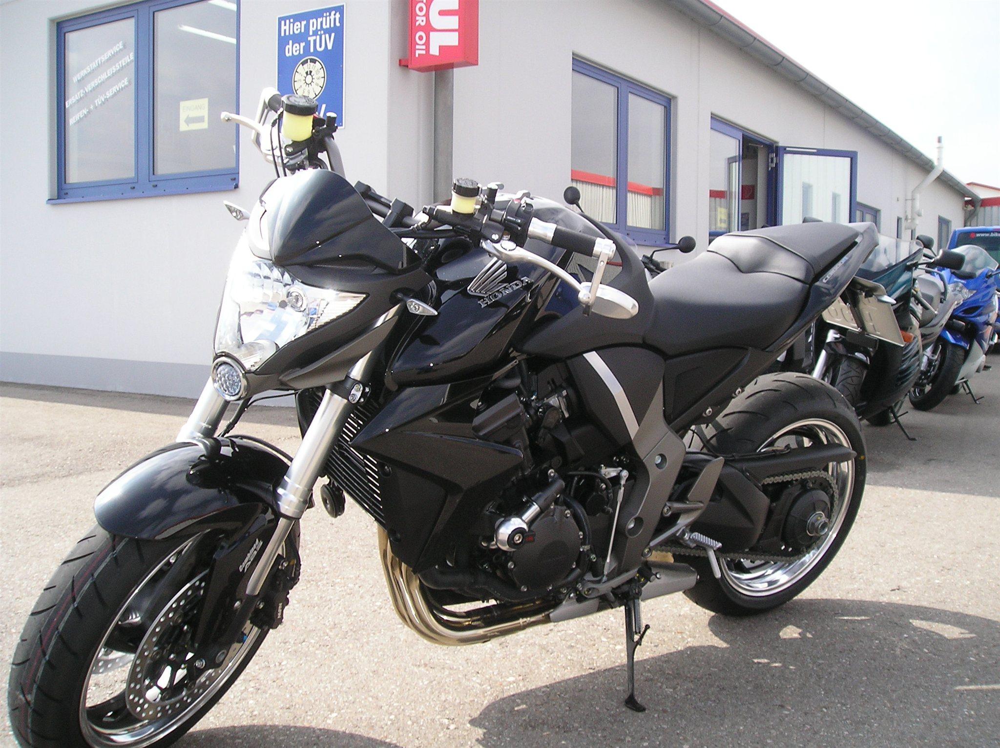 Details zum Mietmotorrad Honda CB 1000 R des Händlers