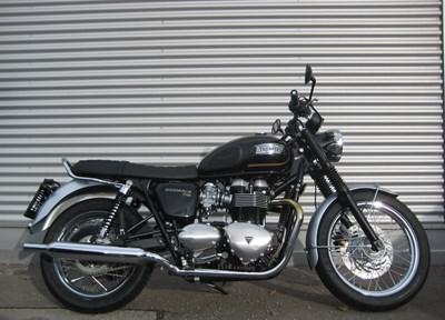 Triumph Bonneville T100 Ein wenig umgebaut