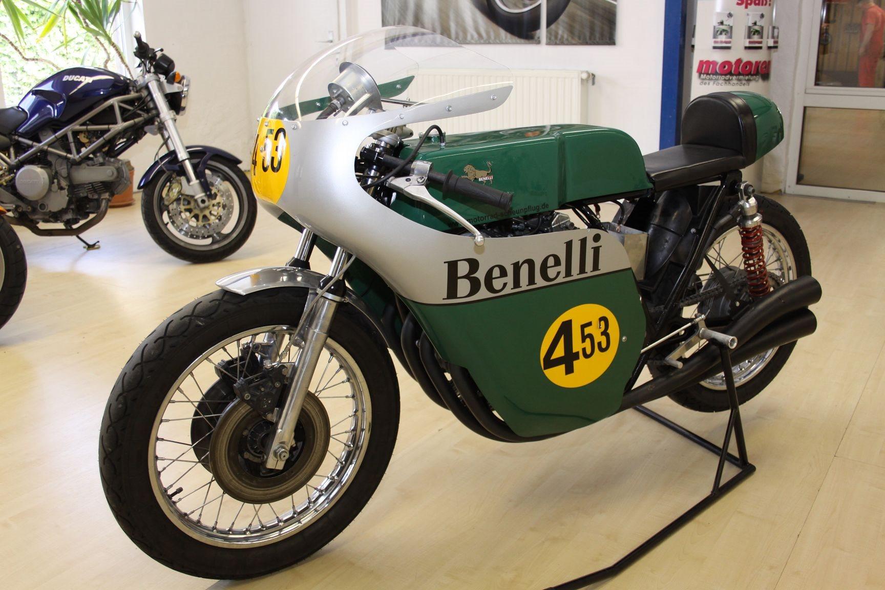 Umgebautes Motorrad Benelli 500 von Motorrad Scheunpflug
