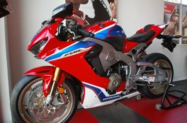 /motorcycle-mod-honda-cbr1000rr-fireblade-sp-2-47645