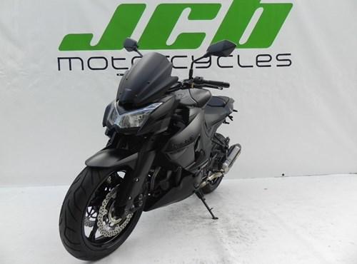UMBAUTEN Kawasaki Z 1000 Black Edition