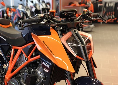 KTM 1290 Super Duke R Serienmotorrad