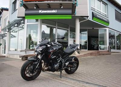 Kawasaki Z900 70kW Ein wenig umgebaut