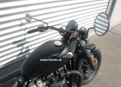 Triumph Bonneville Bobber Black Ein wenig umgebaut