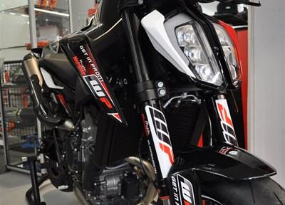 KTM 790 Duke Stark umgebaut