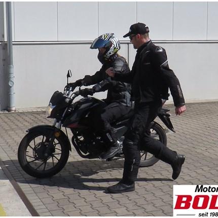 Personal Training  Hast Du kleine Defizite beim Umgang mit dem Motorrad bei Dir festgestellt? Gibt es Techniken, die Du besser beherrschen möchtest ?Wir bieten Dir au...